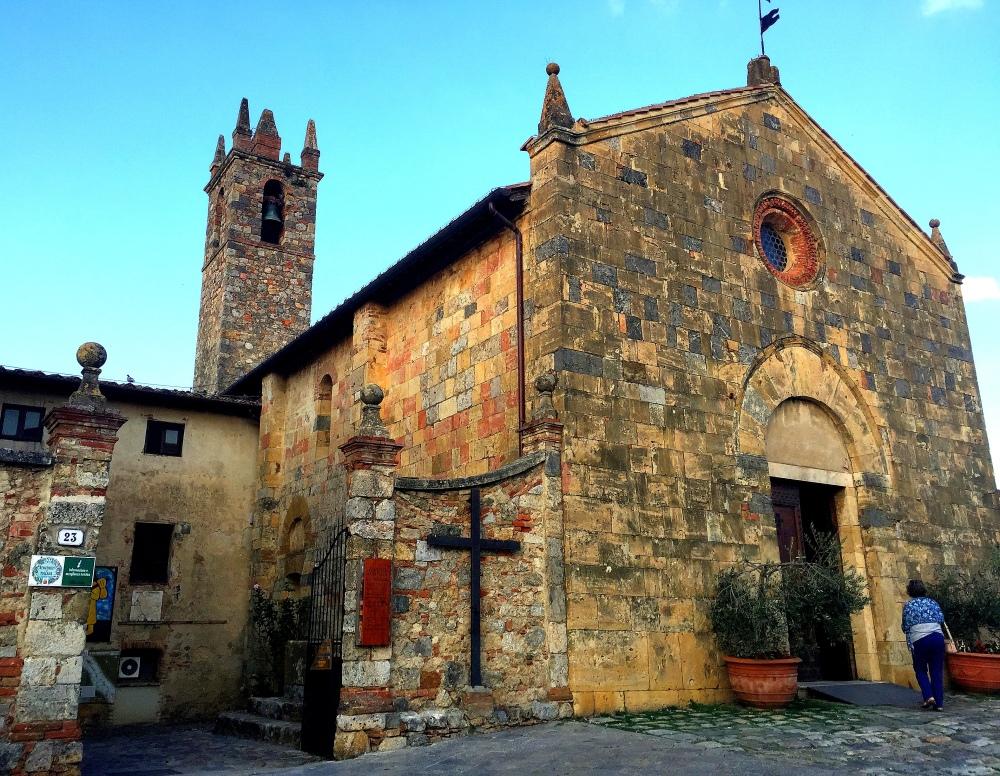 castello-monterrigioni-1-travelanyway