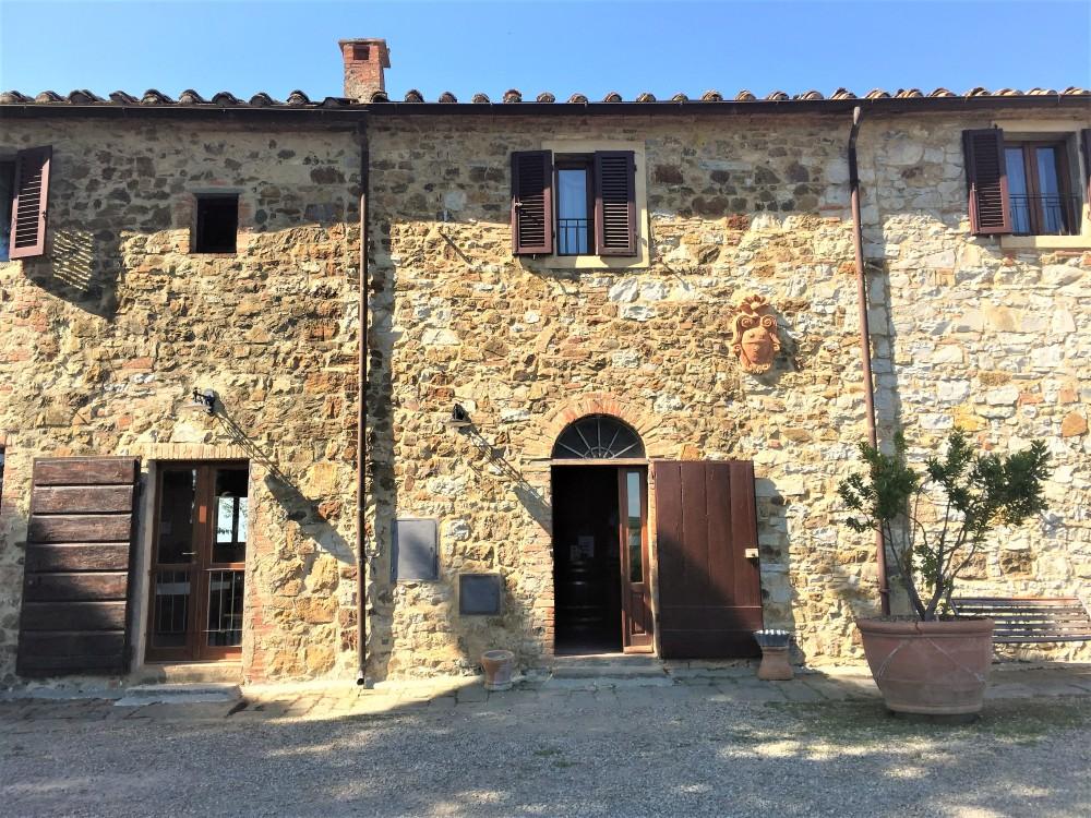 chianti-hills-tuscany-2-travelanyway