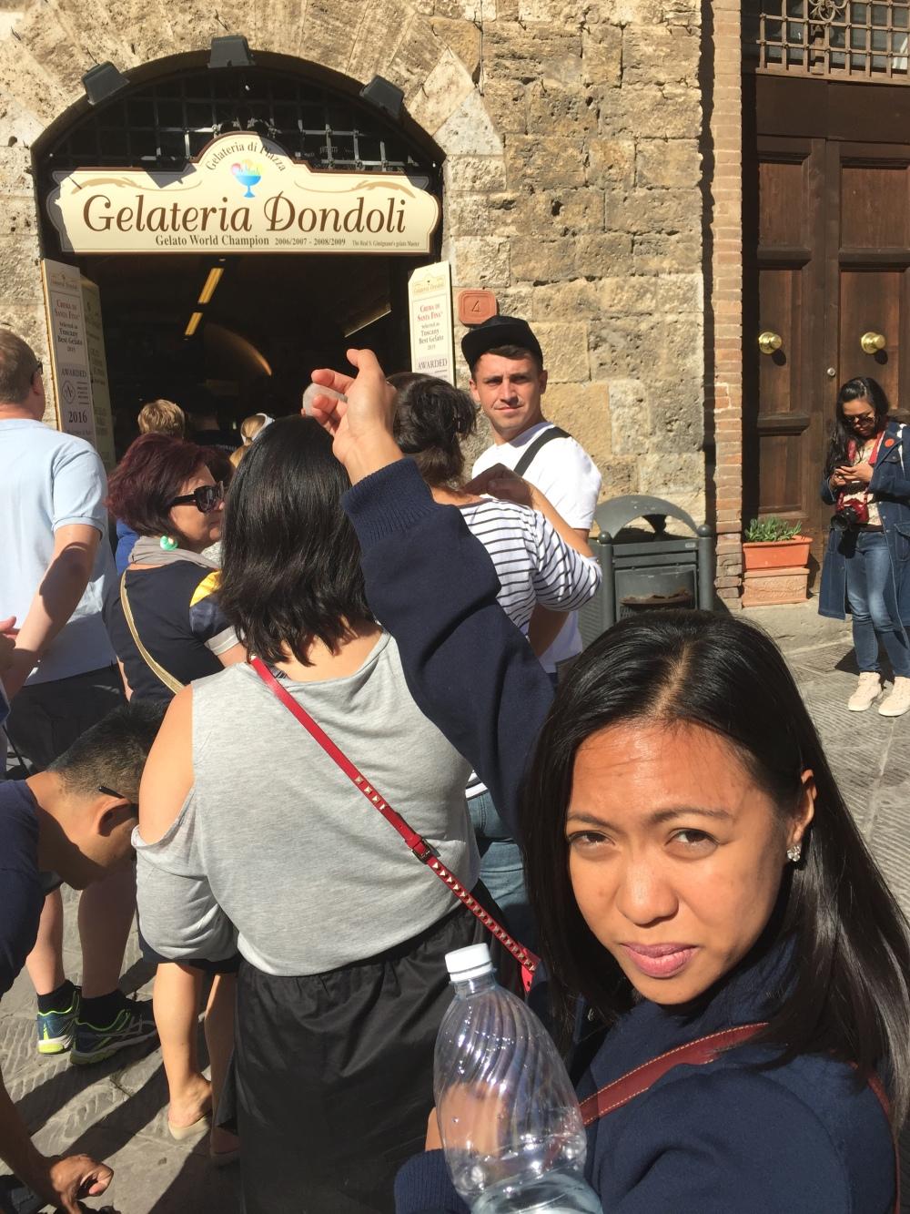 gelataria-dondori-line-san-gimignano-travelanyway