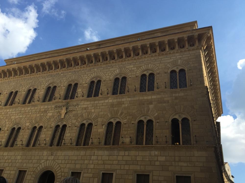 palazzo-salimbeni-2-siena-travelanyway