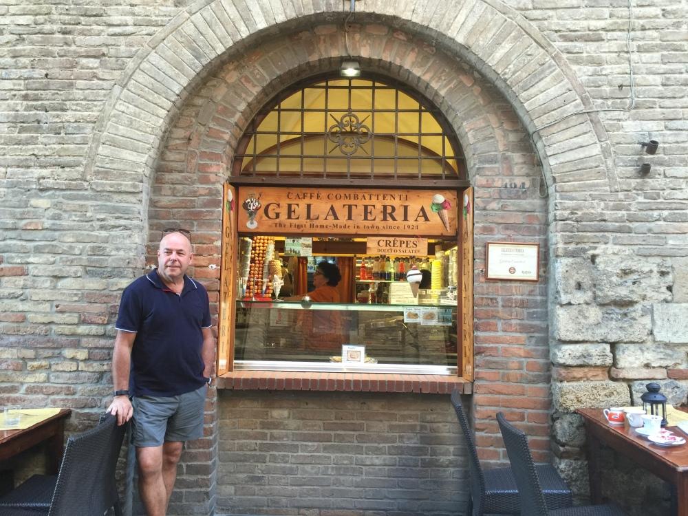 san-gimignano-gelato-travel-anyway