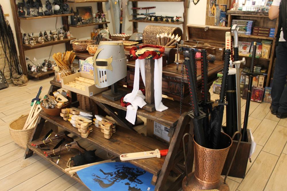 san-gimignano-shop-travelanyway