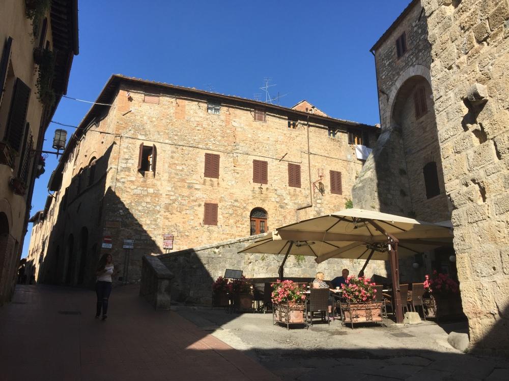 san-gimignano-street-5-travelanyway