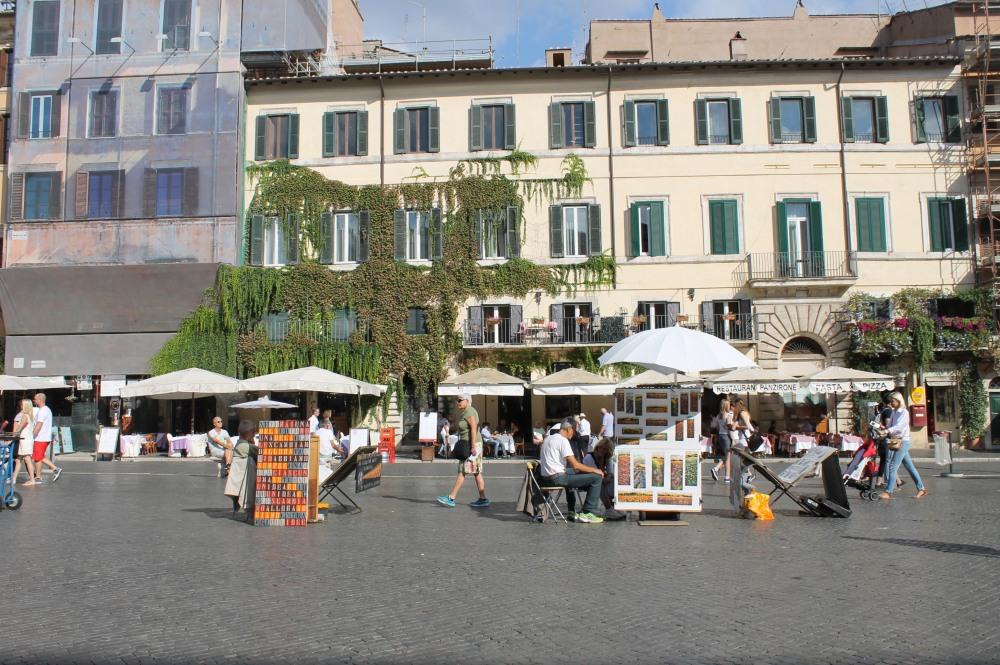 arts-in-piazza-navona-rome-italy-travelanyway
