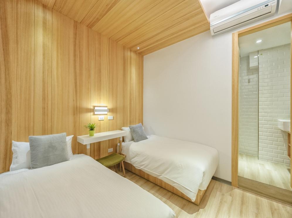 meander-hostel-room-4-travelanyway