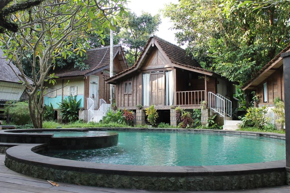 Canggu Jungleroom Bali AirBnB Travelanyway