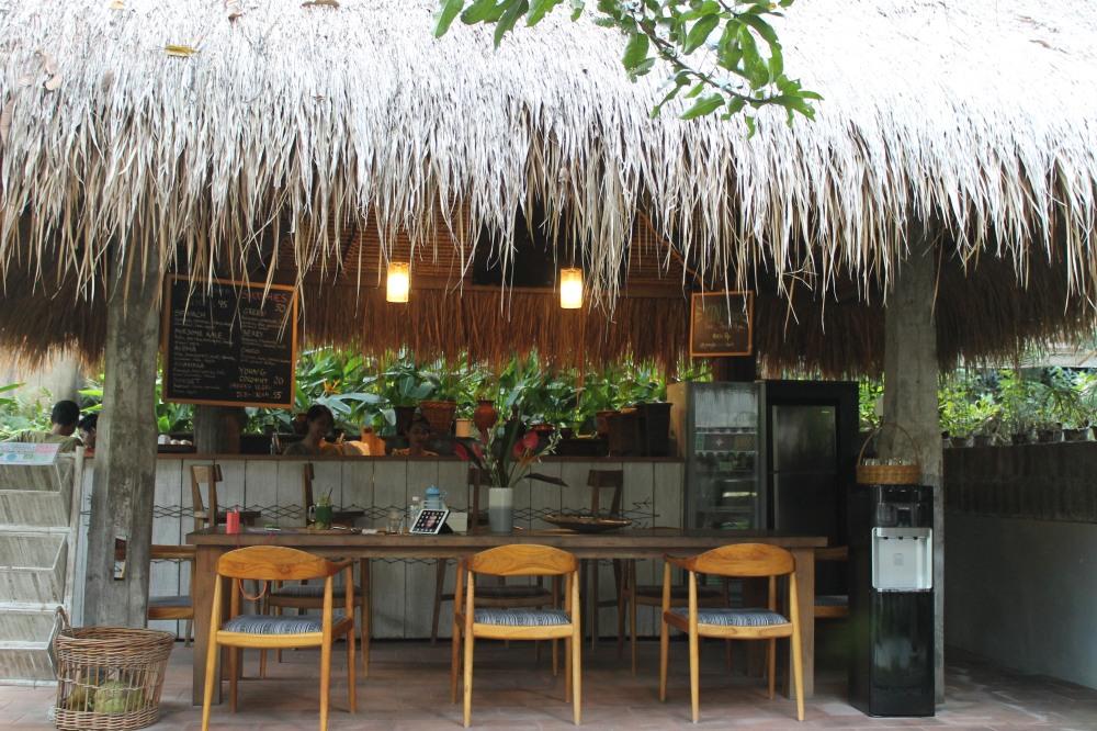 Canggu Jungleroom Bali Juice Bar AirBnb Organic Restaurant Travelanyway