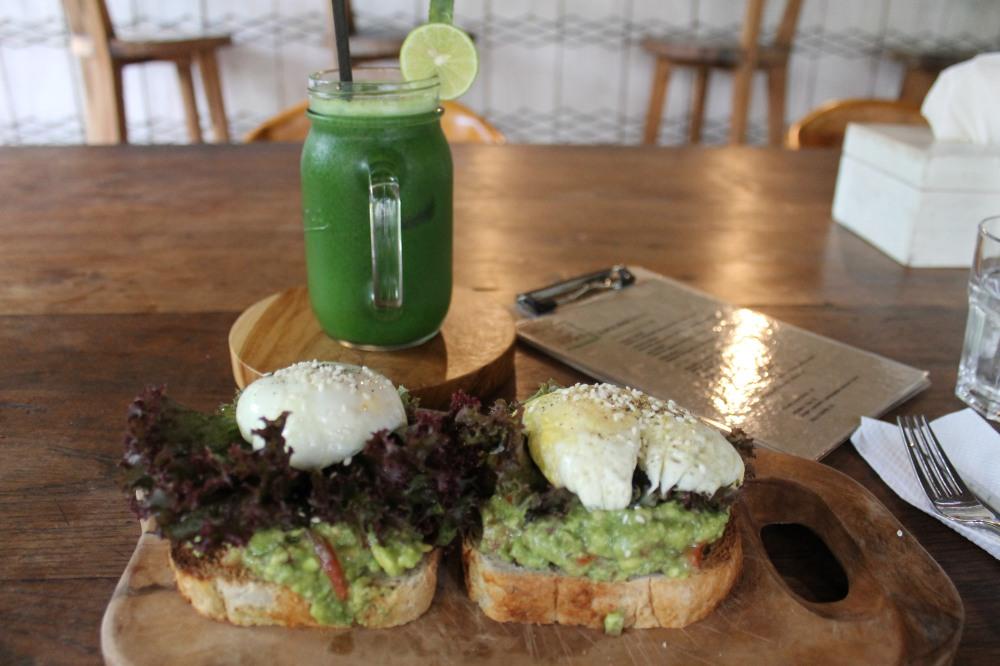 Canggu Jungleroom Juice Bar Food Organic Restaurant Bali Travelanyway