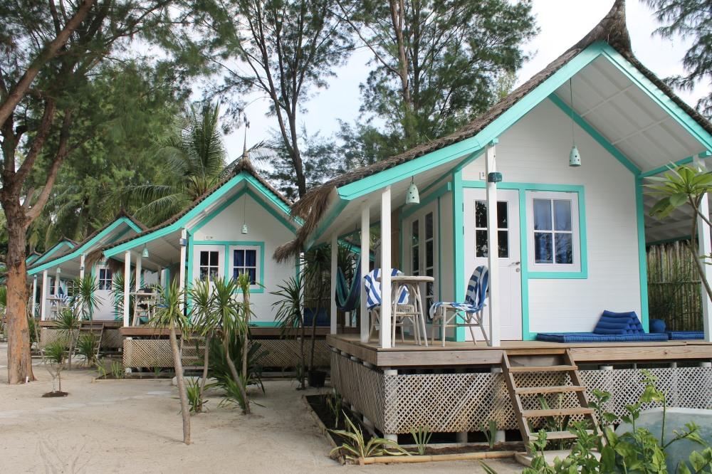 Gili Trawangan Le Pirate Cabins Lombok Travelanyway