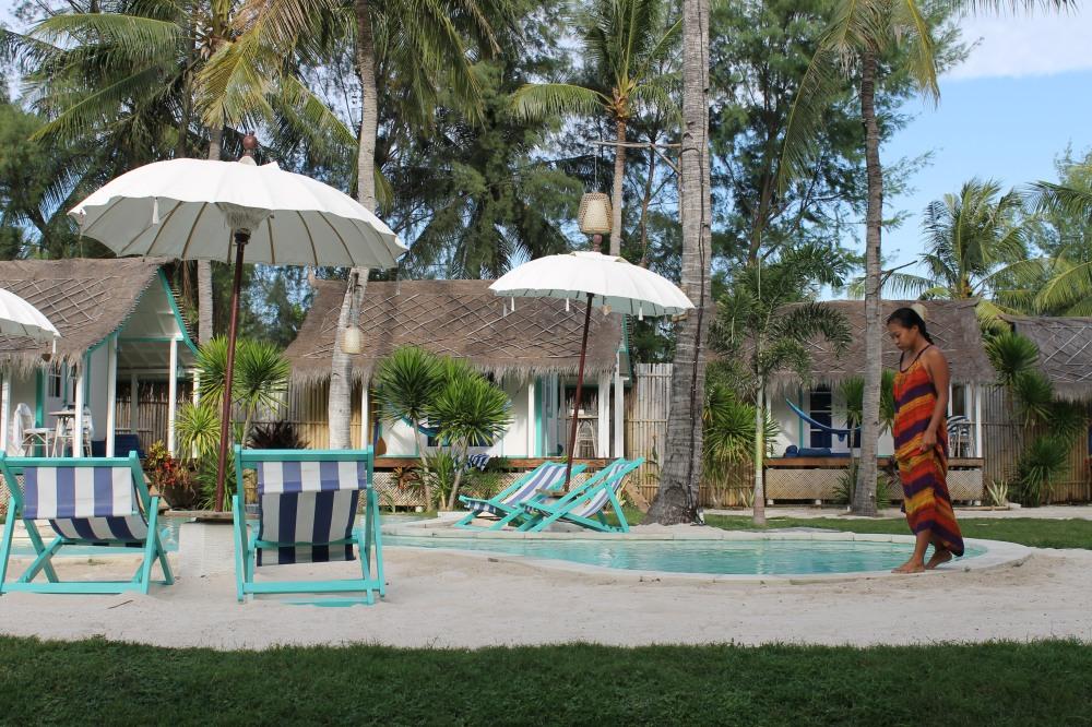 Gili Trawangan Le Pirate hotel Pool side Lombok Travelanyway