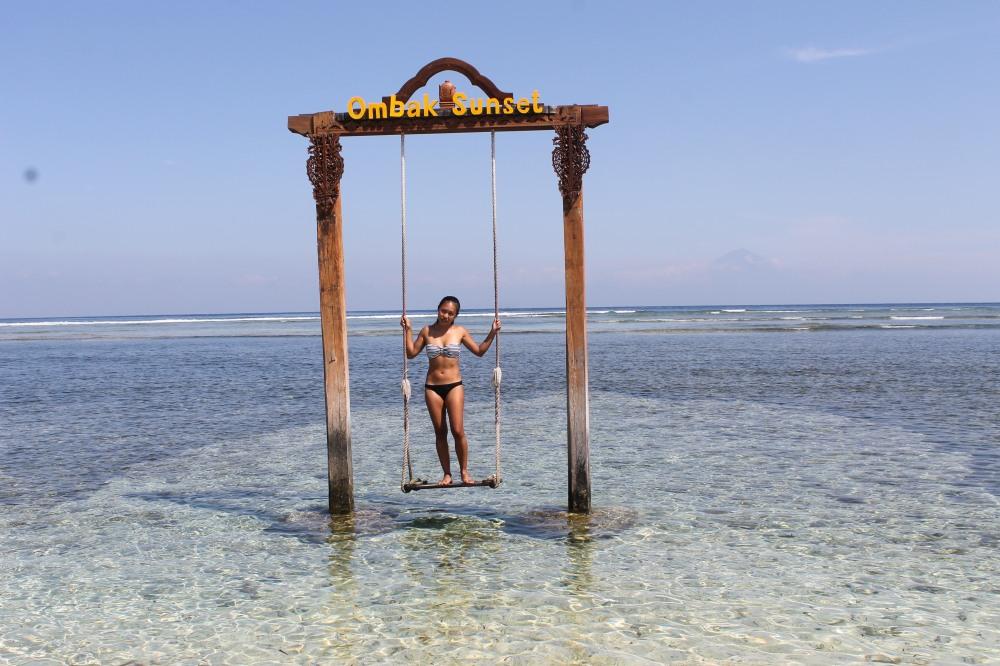 Gili Trawangan Sunset Swing Ombok Hotel Travelanyway Lombok